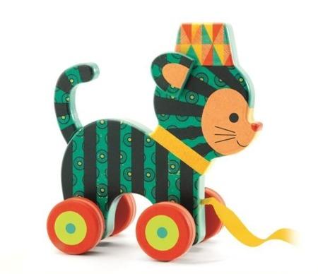 Drewniany kotek do ciągnięcia, na sznurku - przyjaciel pierwszych spacerów, DJECO DJ06233