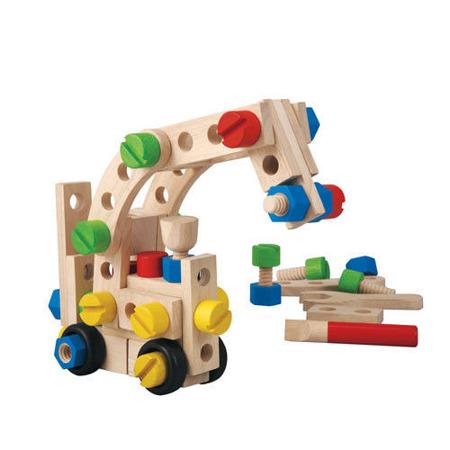 Drewniany zestaw konstrukcyjny 60 części - zestaw dla małego majsterkowicza, Plan Toys