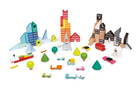 Klocki drewniane z matą do zabawy Kubix 70 sztuk Miasto, JANOD